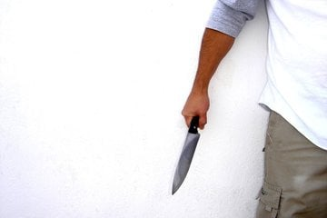 knife-in-hand-3-1314419.jpg
