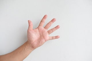 the-palm-of-your-hand-2704015_640.jpg