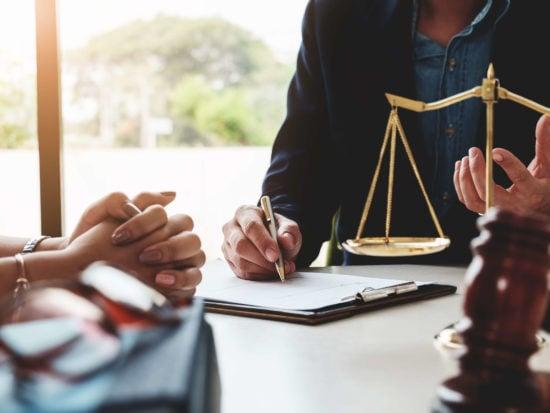 https-ogletree-com-app-uploads-insights-employment-law-employmentlaw_gettyimages-944503634-jpg